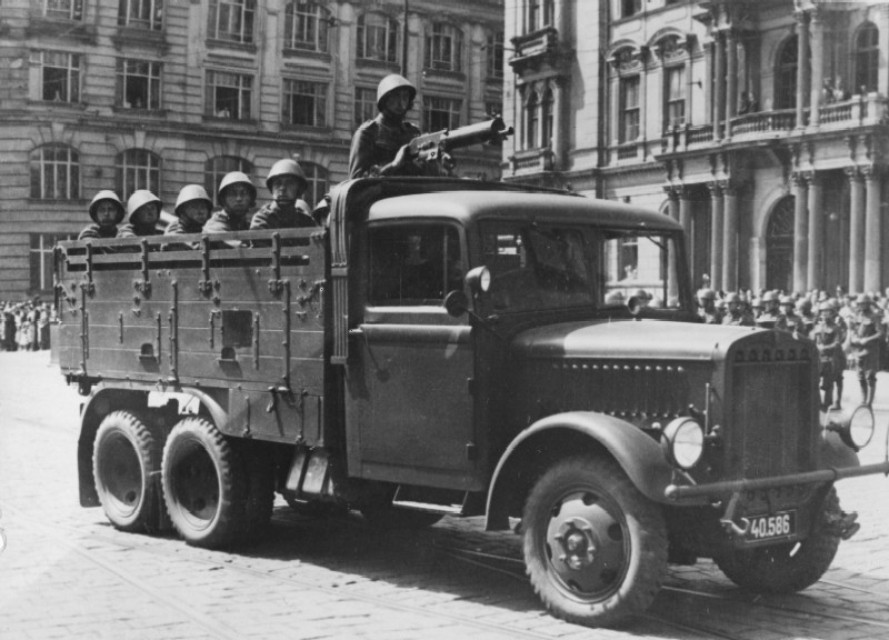 Praga RV truck 6wheel drive