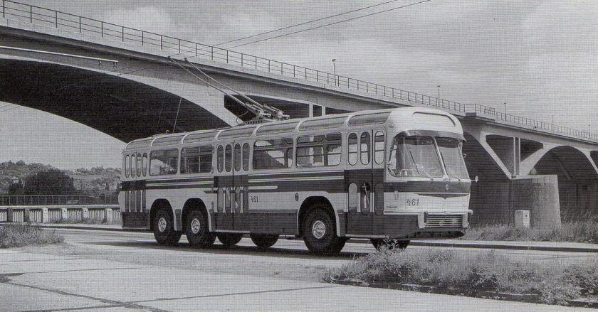praga T 401