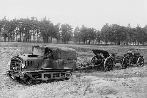 Praga V artillery tractor