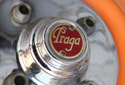 praga wheel hub emblem 2