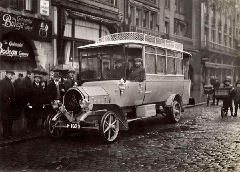 1913 NAG auto-omnibusdienst Klundert-Zevenbergen-Noord Brabant.