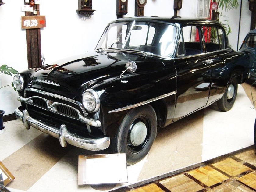 1955 Toyota-crown-1st-generation 01