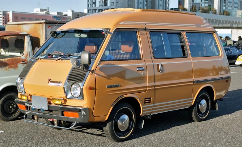 1973-75 LiteAce wagon (KM10G pre-facelift)