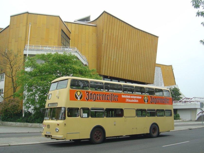 1973 Büssing DE 72, BVG B-Z 2437H, Berlin Philharmonie