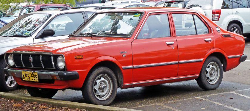 1978-80 Toyota Corolla_(KE55R)_SE_sedan_01