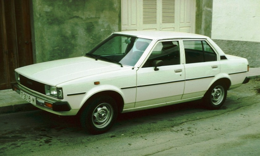 1980 Toyota_Corolla_E70_4_door_sedan