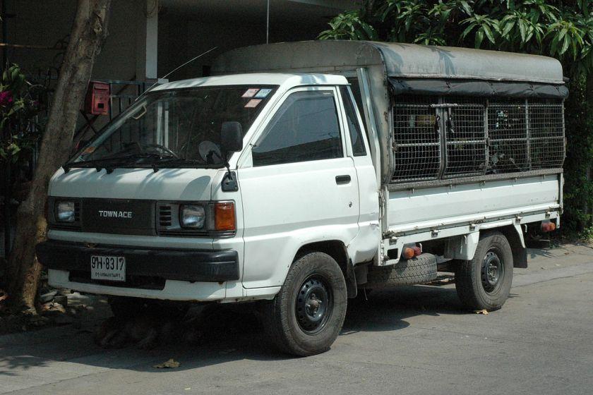 1986-96 TownAce truck DX