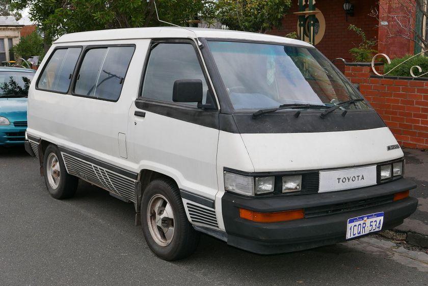 1988 Toyota Tarago (YR22RG) RV van