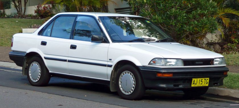 1991 Toyota Corolla (AE92) CS sedan