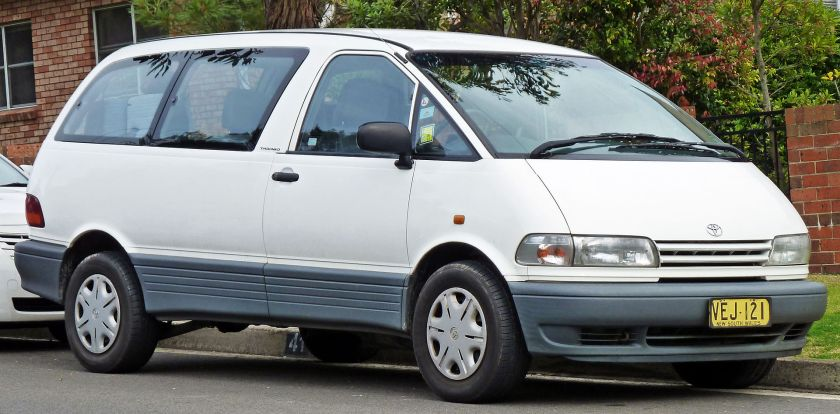1996-00 Toyota Tarago (TCR10R) GLi van 02