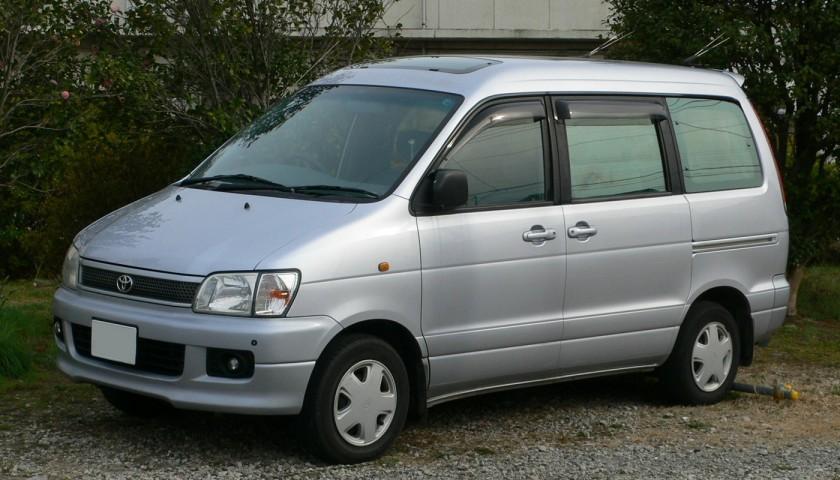 1996-98 Toyota LiteAce Noah