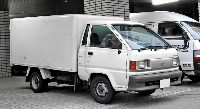 1996-99 TownAce truck DX
