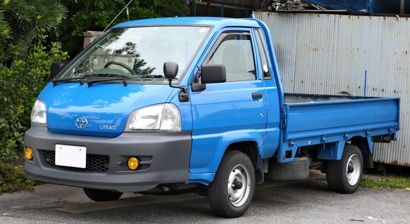 1999-07 LiteAce truck