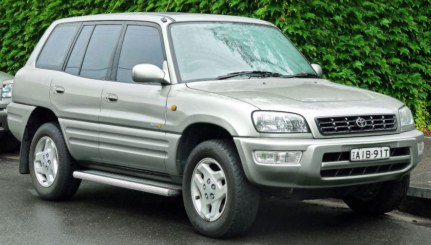 1999 Facelift Toyota RAV4 five-door (Australia)