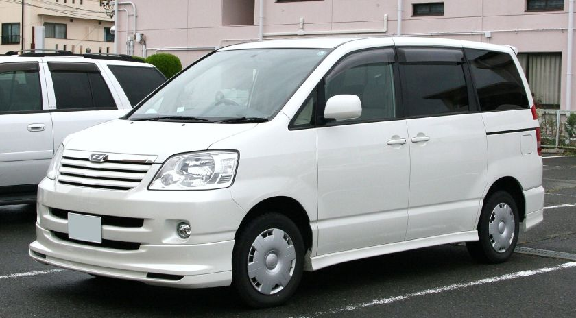 2001-04 Toyota Noah