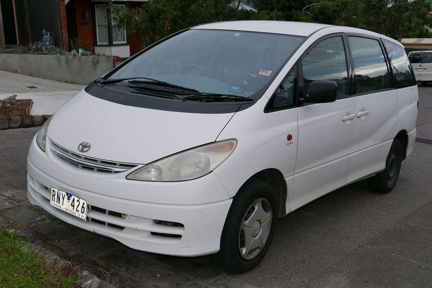 2002-06 Toyota Tarago (ACR30R) GLi van