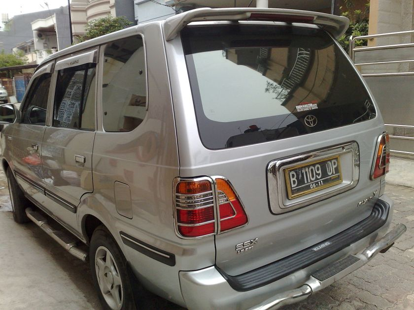 2003 Kijang SSX (KF72) in Indonesia