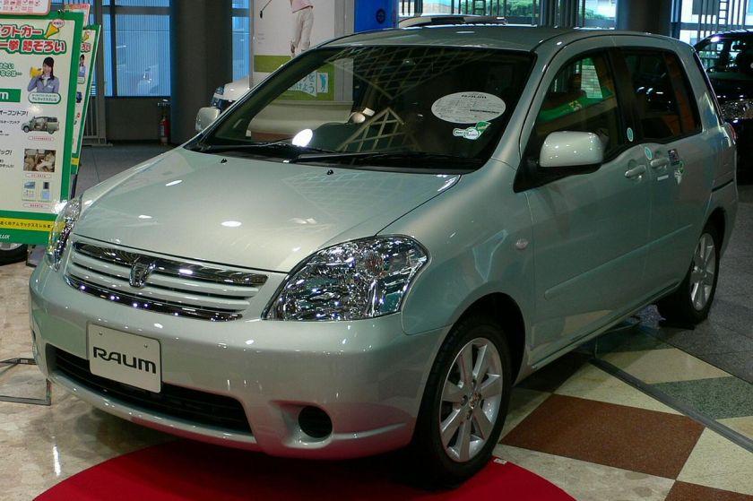 2003 Toyota Raum 2nd 01