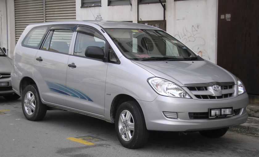 2004-15 First generation Toyota Innova (AN40)