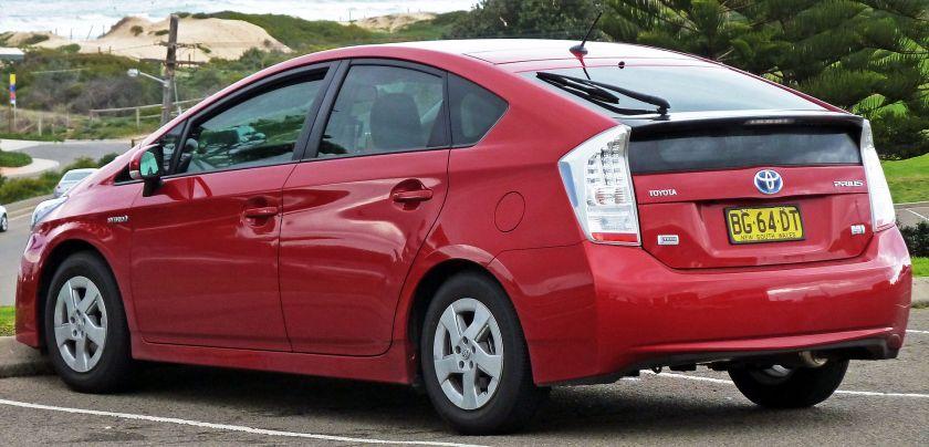 2009-10 Toyota Prius (ZVW30R) i-Tech liftback
