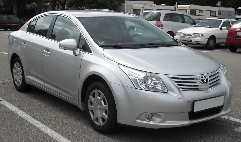 2009 Toyota Avensis_front_20090814