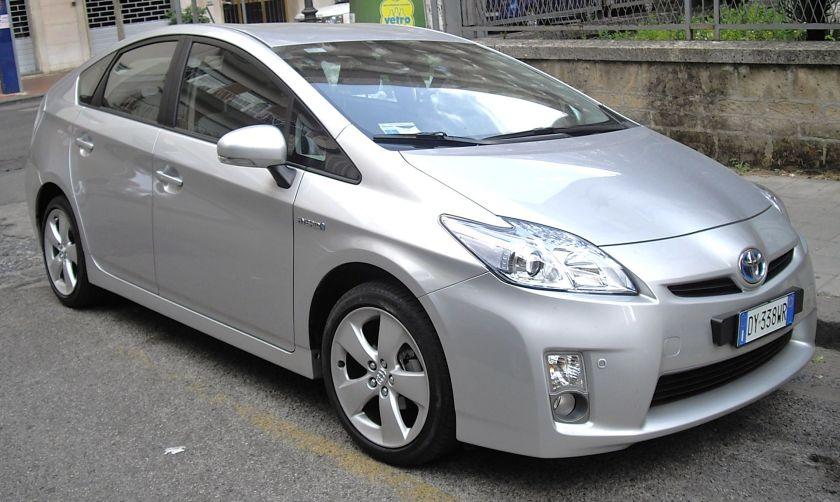 2010 Toyota Prius front