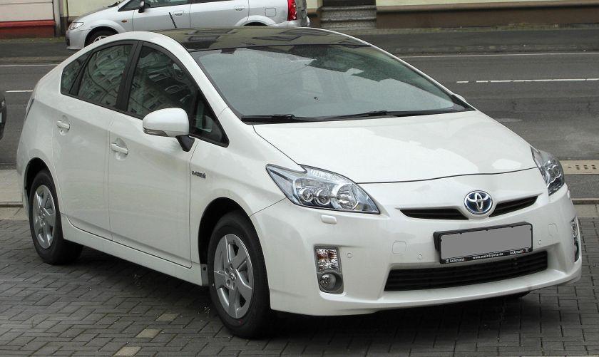 2010 Toyota Prius ZVW30  front
