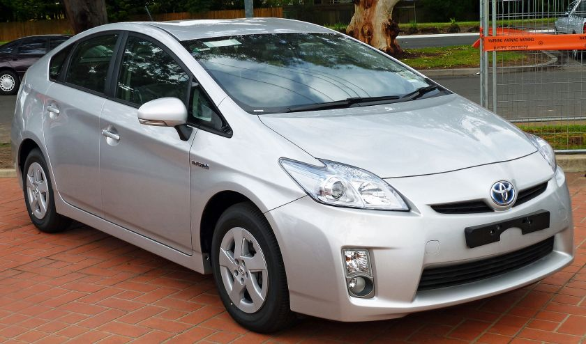 2010–2011 Toyota Prius (ZVW30R) liftback