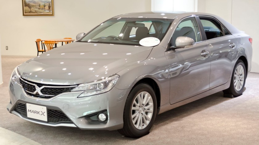2012 Toyota Mark-X 01