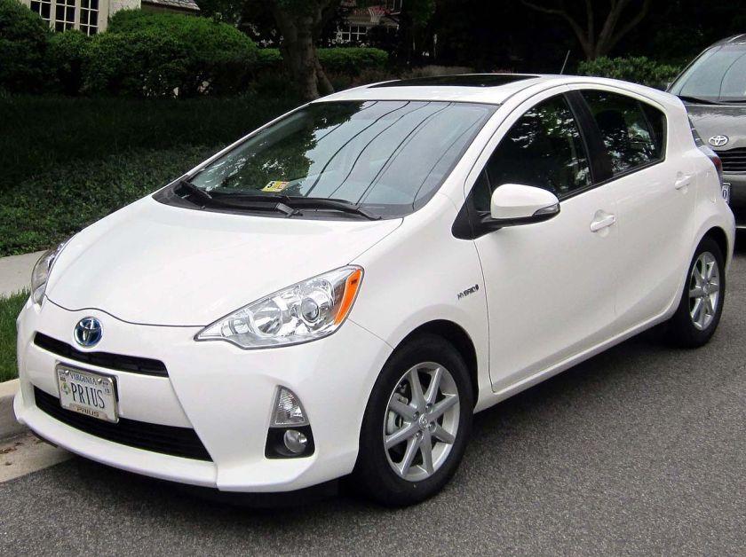 2012 Toyota Prius c 2
