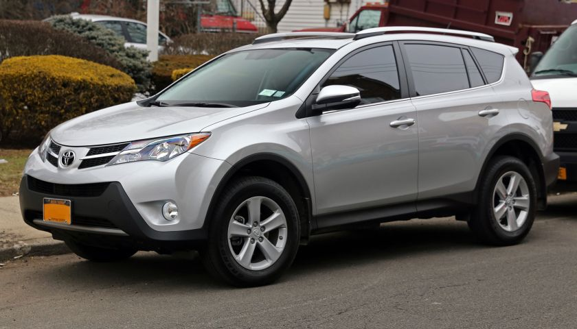 2013 Toyota RAV4 XLE AWD, six-speed automatic and 2.5 litre inline-four with 176hp