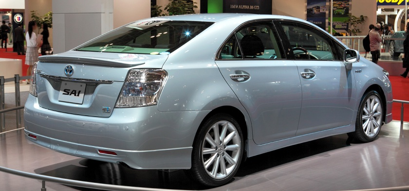 2013 Toyota Sai b