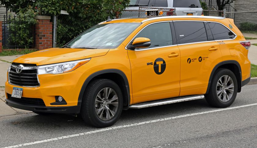 2014 Toyota Highlander XLE 3,5 V6 six speed NYC yellow cab front