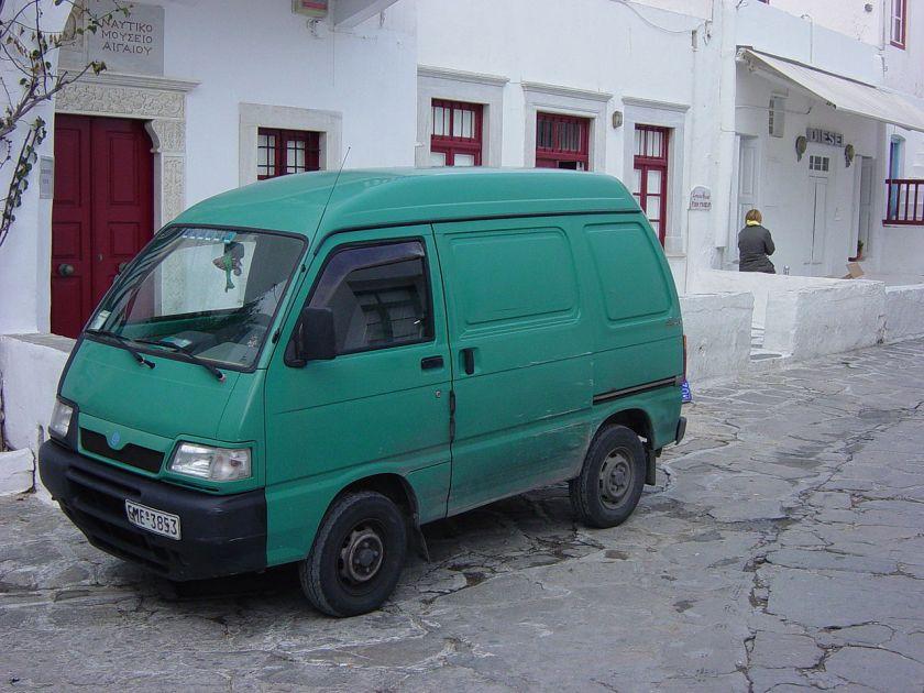 Daihatsu Hijet 7th.gen PiaggioVanMikinos06474