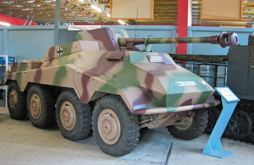 Munster_SdKfz234_4_side_(dark1)