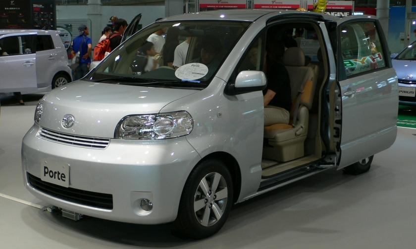 Toyota Porte 2