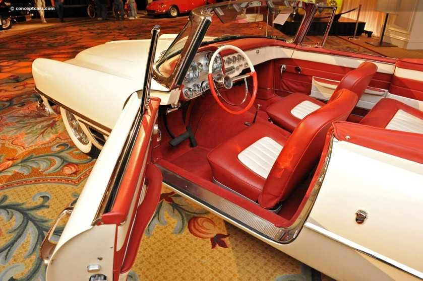 1957 Dual Ghia-Conv-DV-11-RMA i03 chassis 158 inside