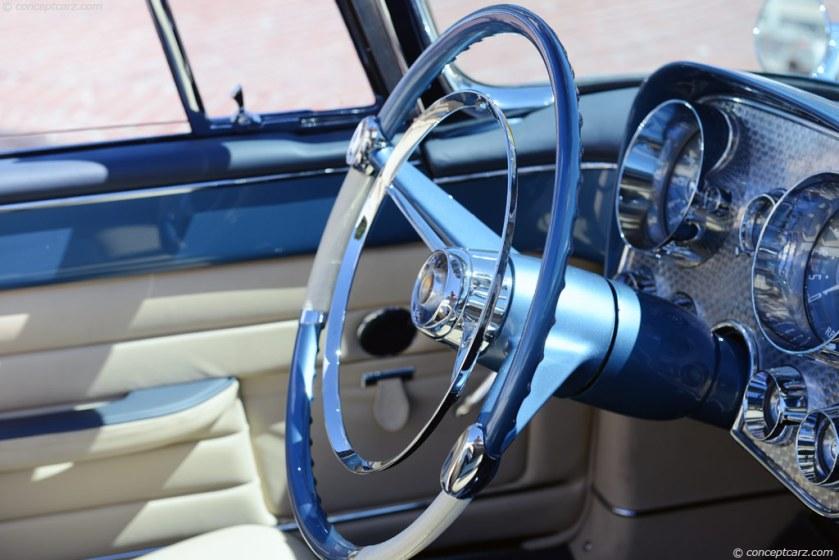 1957 Dual Ghia-Conv-DV-13-RMM-i02 chassis 100 inside