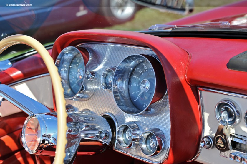 1957 Dual Ghia-DV-12-PBC i04 chassis 158 inside