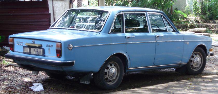 1966-74 Volvo 144 de Luxe rear