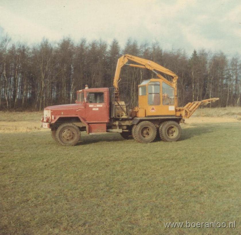 1968 015-Reo (Ginaf) met Atlas kraan - 1968