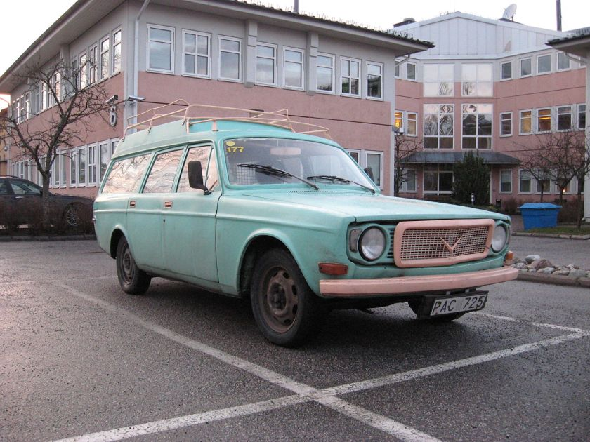 1968 Volvo 145 Express, pre-facelift.