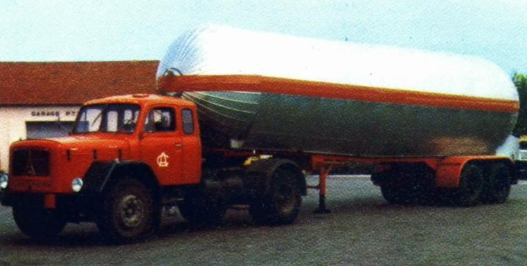 1970 Magirus Deutz sortait ce modèle jupiter long nez pour les transports Charles André