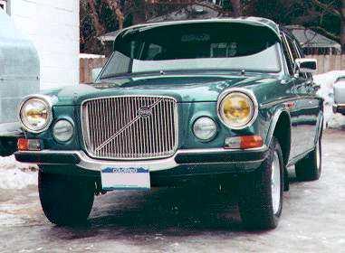 1971 Volvo 164F with Australian-market accessory exterior sunvisor.