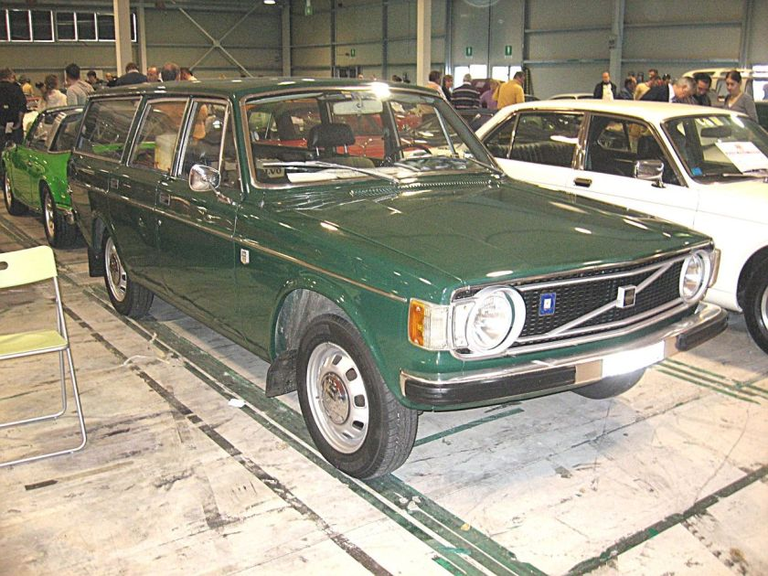 1973 (facelifted) Volvo 145 station wagon.