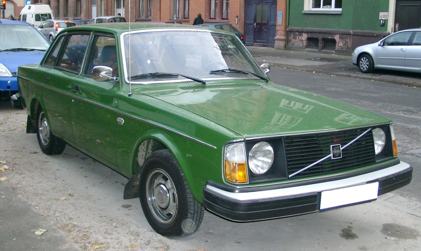 1978 Volvo 244DL front