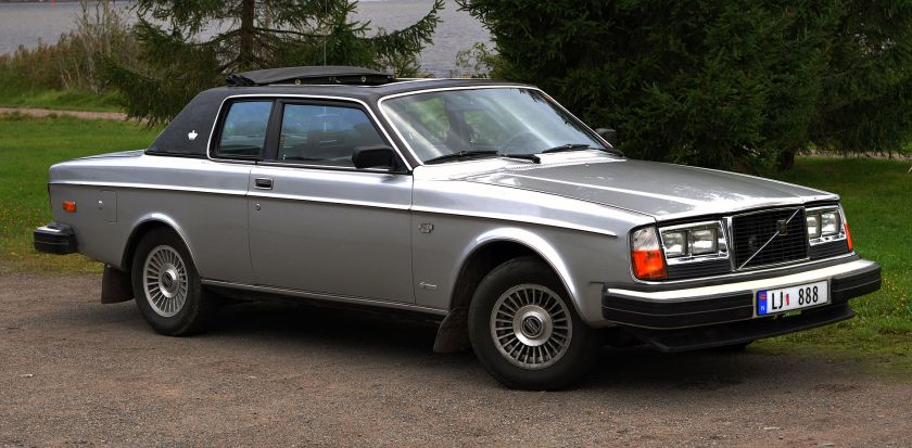 1978 Volvo 262C Bertone (with North American quad headlights)