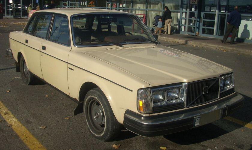 1980-82 Volvo 240DL Sedan