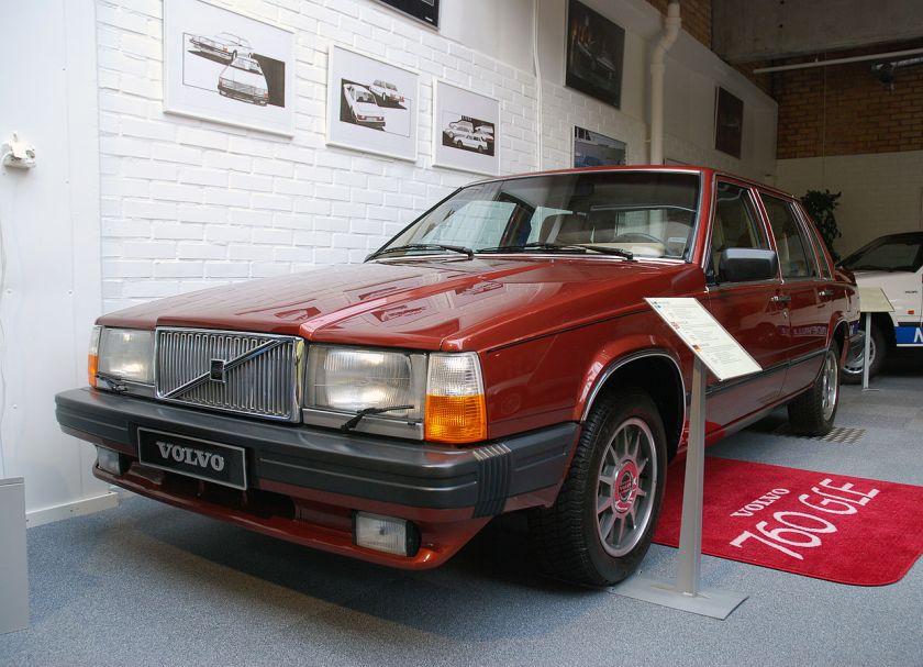 1982 Volvo 760 sedan (met eerste neus)
