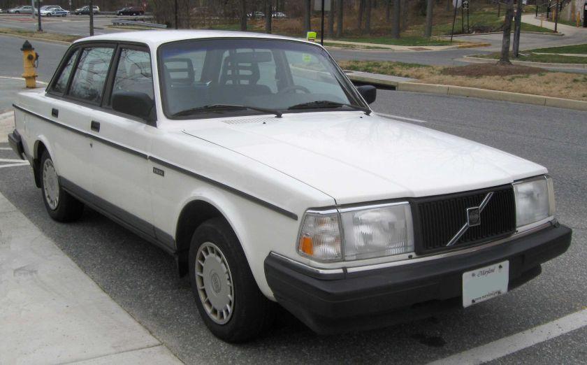 1992 Volvo 240 sedan 2